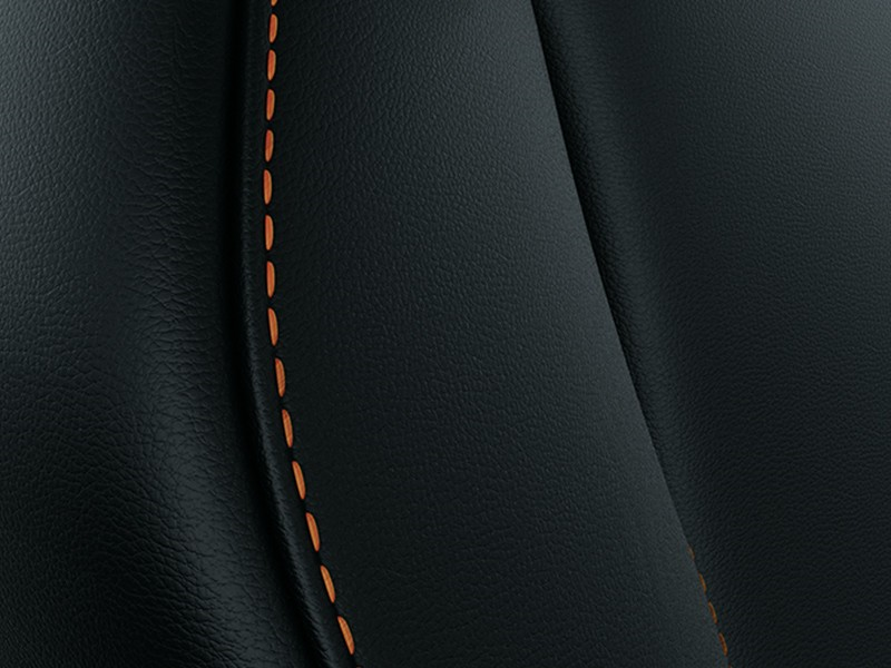 Interior Car - Leather with Orange Stitches - Eclipse Cross - Mitsubishi Dealer Jakarta - Harga Dealer Resmi Mitsubishi