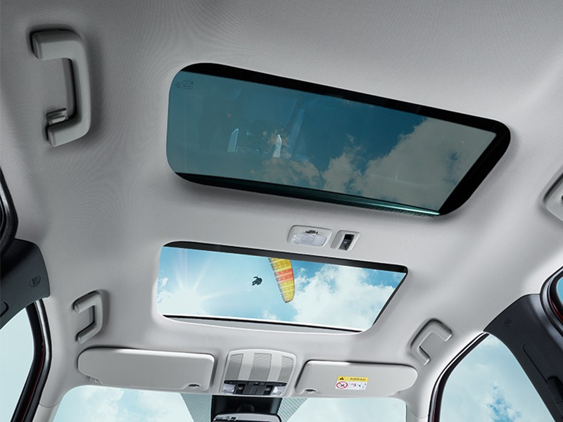 Interior Car - Power Panoramic Sunroof - Eclipse Cross - Mitsubishi Dealer Jakarta - Harga Dealer Resmi Mitsubishi
