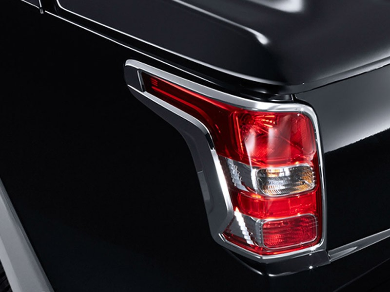 Accessories Car Triton 4x4 - Rear Comb Lamp Garnish - Mitsubishi Dealer Jakarta | Showroom Promo Harga Mitsubishi
