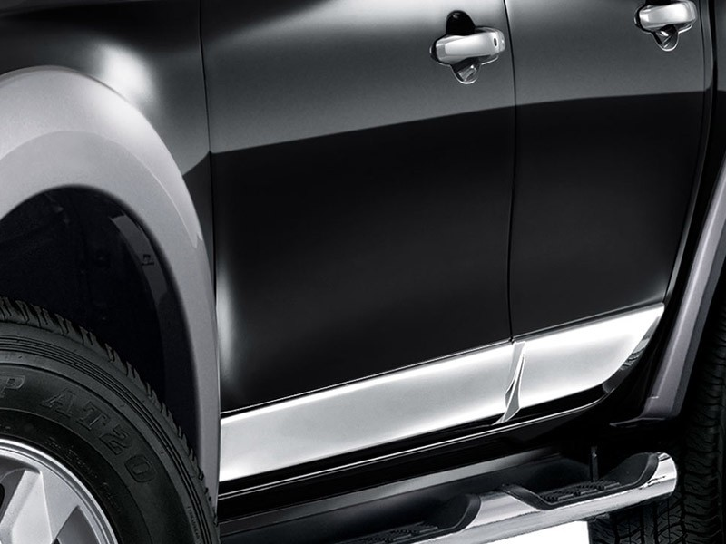 Accessories Car Triton 4x4 - Side Door Garnish - Mitsubishi Dealer Jakarta | Showroom Promo Harga Mitsubishi