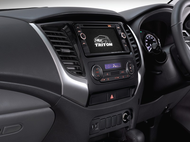 Interior Car Triton 4x4 - Audio 6,5