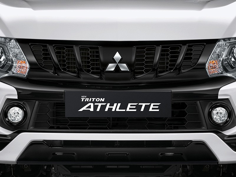Interior Car Triton Athlete - Sporty Black Grille - Mitsubishi Dealer Jakarta | Showroom Promo Harga Mitsubishi