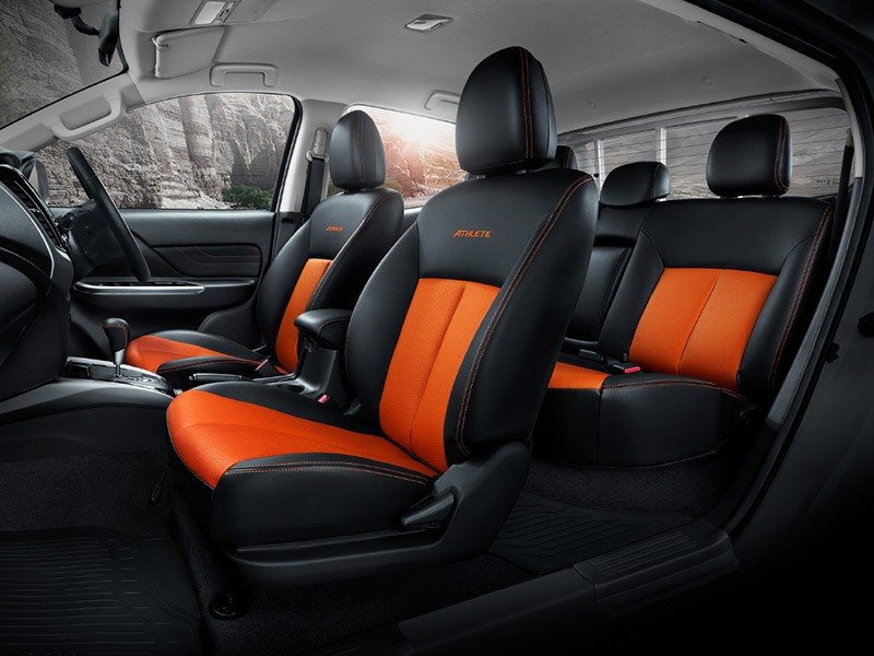 Interior Car Triton Athlete - Sporty Leather Seat - Mitsubishi Dealer Jakarta | Showroom Promo Harga Mitsubishi