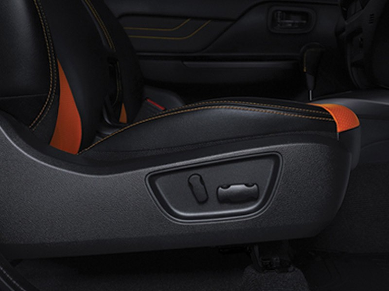 Interior Car Triton Athlete - Power Seat - Mitsubishi Dealer Jakarta | Showroom Promo Harga Mitsubishi