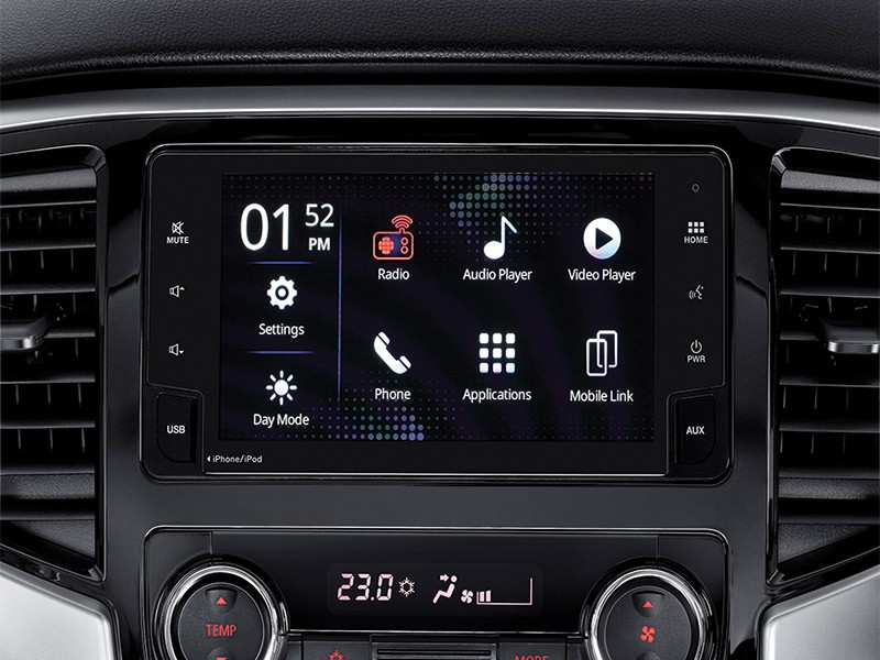 Interior Car - Premium Wide 2DIN Entertainment System/USB & MP3 Player - Triton - Mitsubishi Dealer Jakarta - Harga Dealer Resmi Mitsubishi