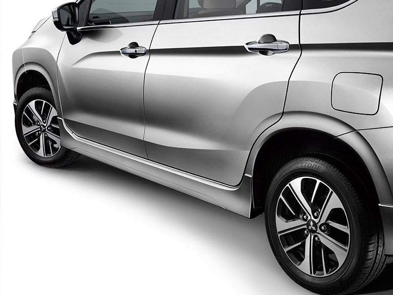 Accessories Car Xpander - SIDE AIRDAM - Mitsubishi Dealer Jakarta | Showroom Promo Harga Mitsubishi