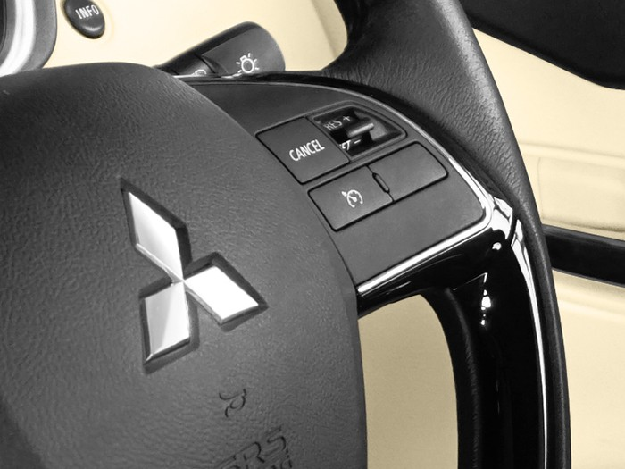Safety Car Xpander - Cruise Control - Mitsubishi Dealer Jakarta | Showroom Promo Harga Mitsubishi